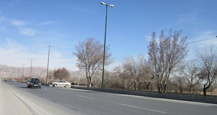 مشکلات تردد دامداران و کشاورزان از بلوار دانشگاه آزاد نجف آباد حل نشده است