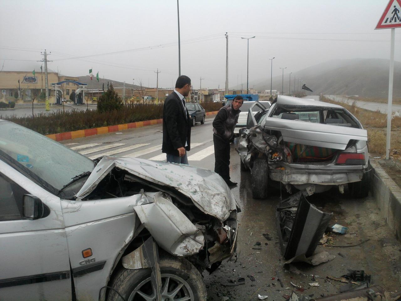 ۶ مصدوم و ۲ فوتی بر اثر برخورد پژو و پراید در شهرستان نجفآباد اصفهان