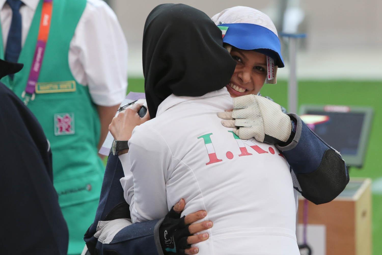 تقدیر از قهرمانان آسیایی و جهانی ورزش نجف آباد در سال نود یک