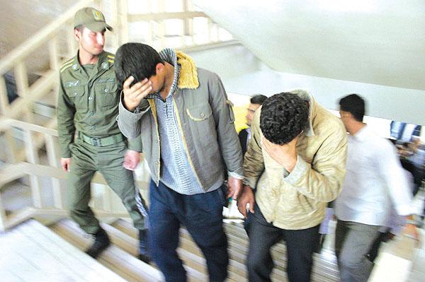 دستگیری سارقان سیم برق با ۷۳فقره سرقت در نجف آباد