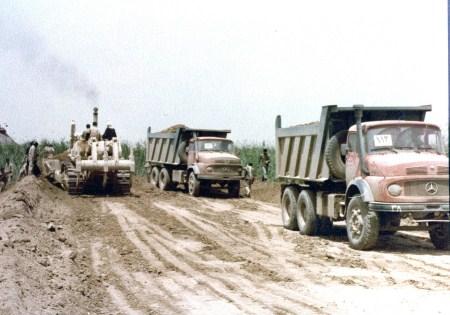 احداث هزار کیلومتر خاکریز و جاده  توسط جهاد سازندگی نجف آباد در  دوران دفاع مقدس