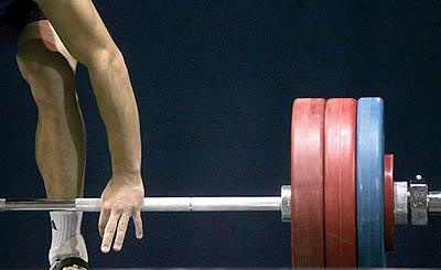 درخشش وزنه برداران نجف آبادی در اولین روز مسابقات قهرمانی جوانان کشور