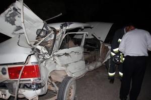 تصادف تریلی با خودروی پیکان در نجف آباد