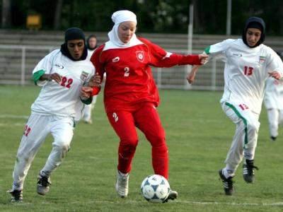 دیدار نماینده فارس و نجف آباد در دسته برتر فوتبال بانوان کشور