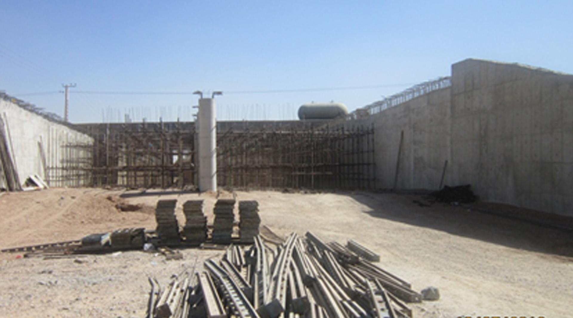توقف چندین ماهه ادامه ساخت زیر گذر دانشگاه آزاد نجف آباد