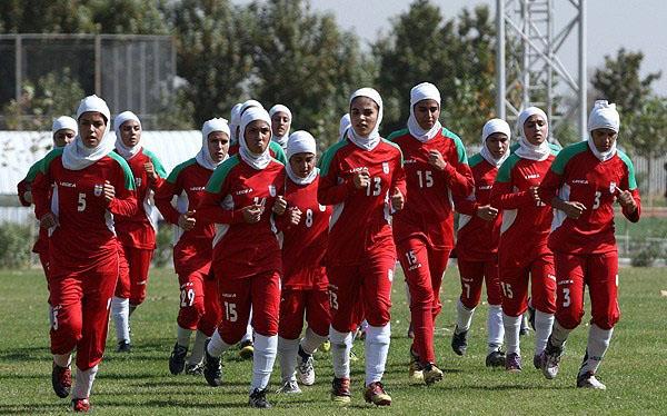 پیروزی تیم فوتبال بانوان نجف آباد بر شهرداری ارومیه