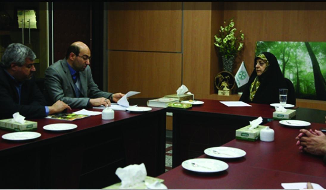 گزارش تصویری از جلسه مدیران شهرستان با دکتر ابتکار