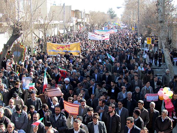 تمام ظرفیت شهرداری در خدمت خلق حماسه راهپیمایی ۲۲ بهمن نجف آباد قرار گرفت