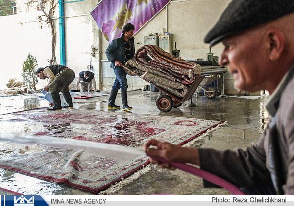 تصاویر شستن صنعتی قالی در نجف آباد