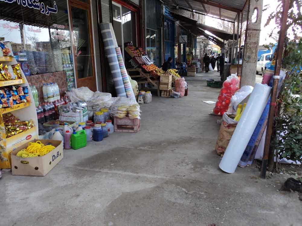 کاسبان پیاده رو خوار و رزقی که خوردن ندارد