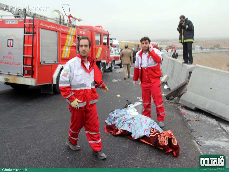 یک کشته در برخورد پراید با کامیون