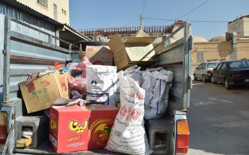 مواد غذایی فاسد  نابودی نابودی چهار تن گز فاسد شده در نجف آباد                              2