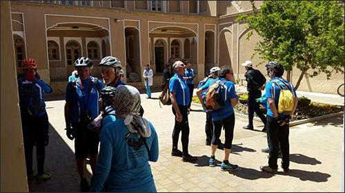 آلمانی ها با دوچرخه به نجف آباد رسیدند+ تصاویر