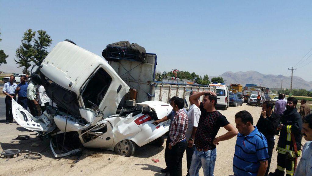 تصادف کشته کشته و زخمی شدن دو راننده در اتوبان نجف آباد            1024x576