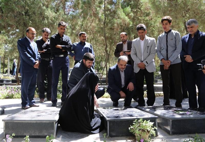 گفت و گو با خانواده شهید دکتر جوزی/ مفقودی در «جنگ» شهادت در «منا»+ تصاویر
