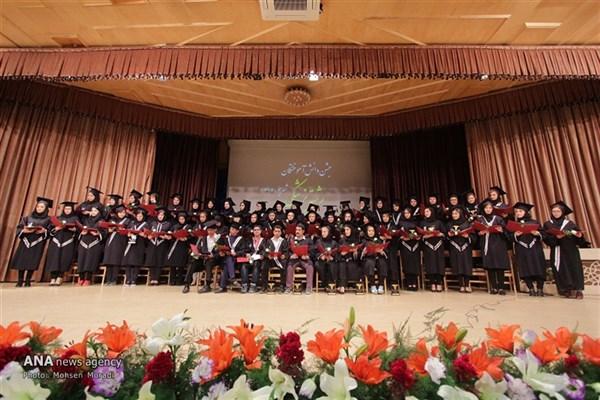 فارغ التحصیلی ۱۸۰۰ پزشکی از آزاد نجف آباد