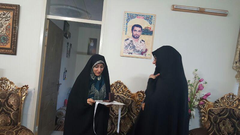 ادامه دیدارهای همسر شهید حججی با خانواده مدافعان حرم+ تصاویر
