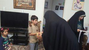 همسر شهید حججی در منزل شهید دایی تقی (3)                                                                   3 300x169