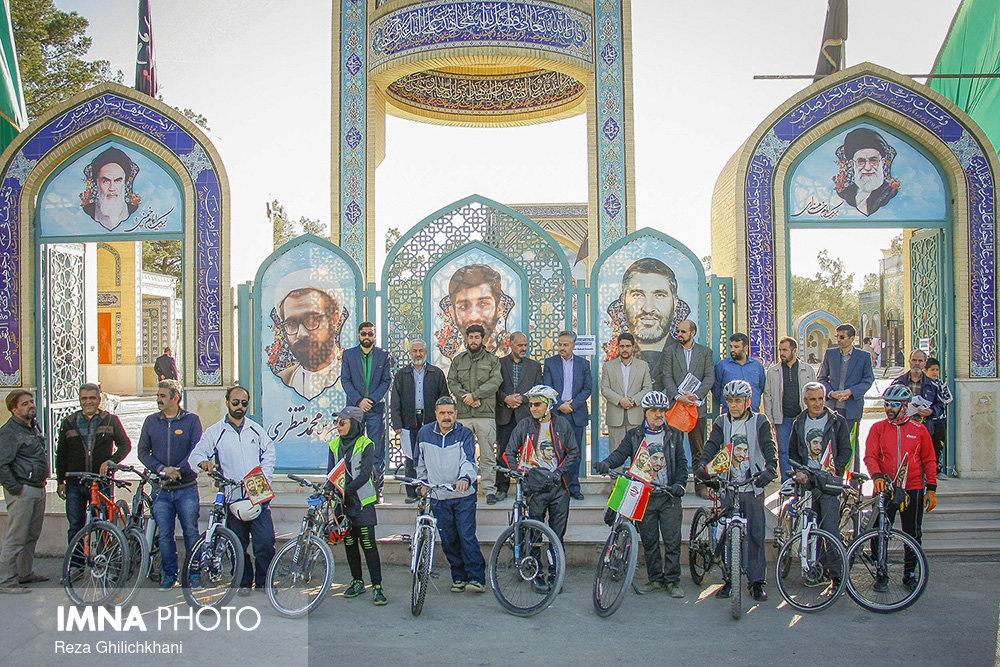 کربلایی شدن دوچرخه سواران نجف آبادی+ تصاویر
