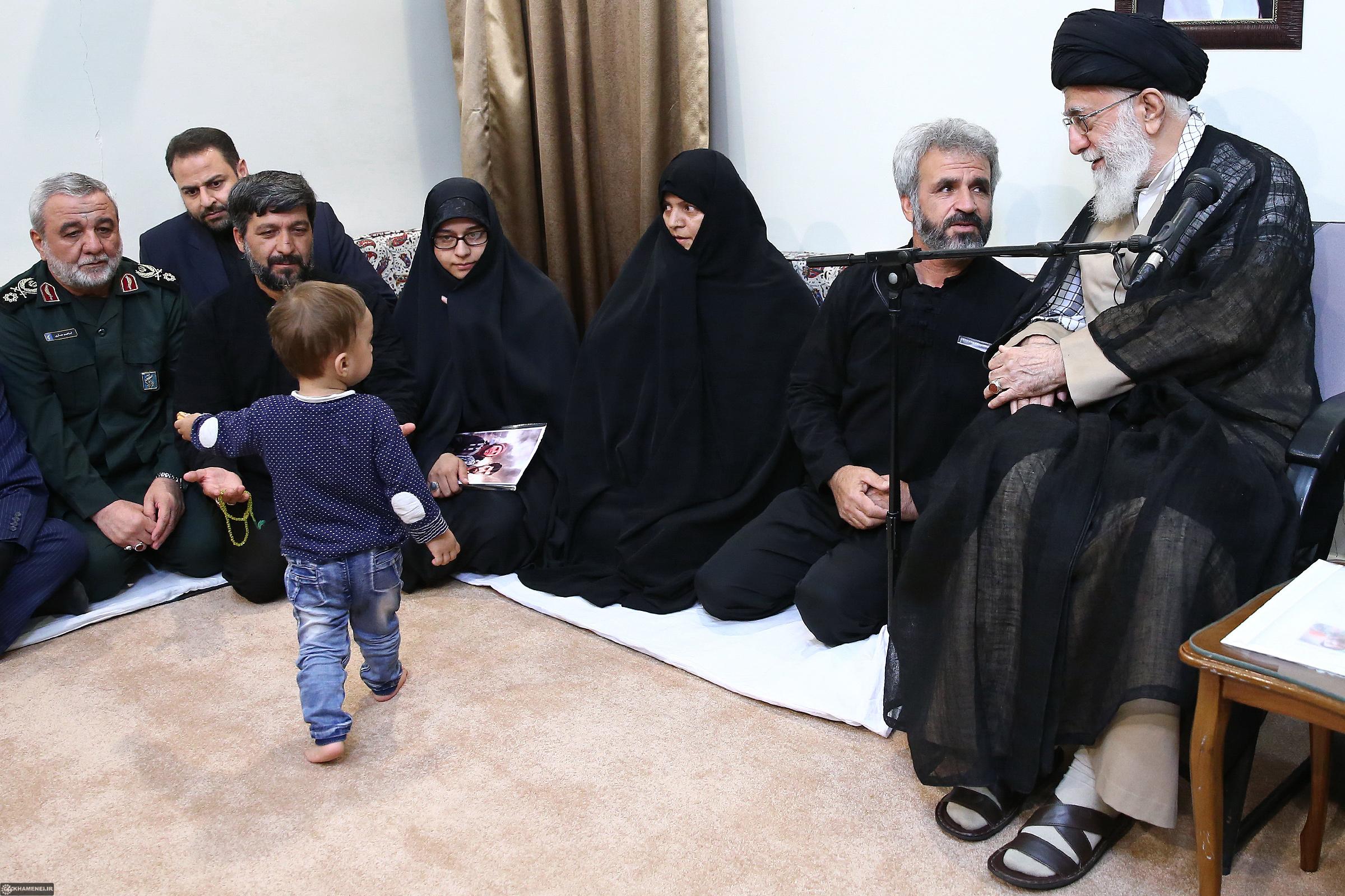 دیدار خانواده شهید حججی با رهبر انقلاب+ تصاویر