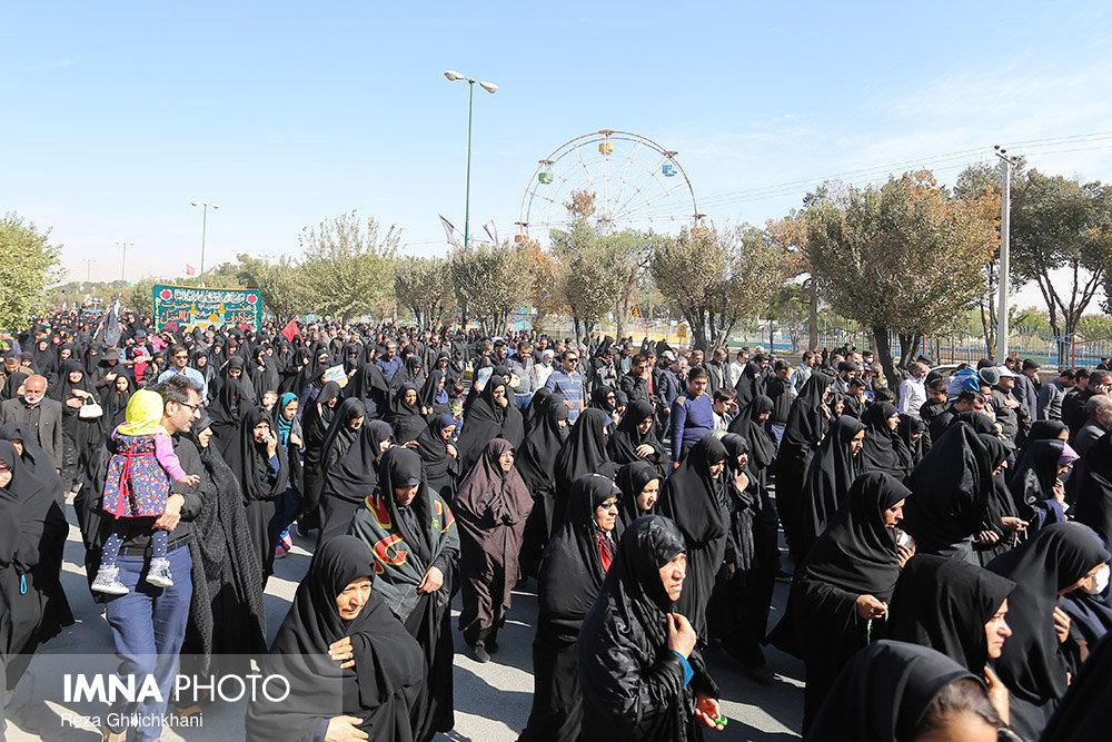پیاده روی اربعین در نجف آباد+ تصاویر