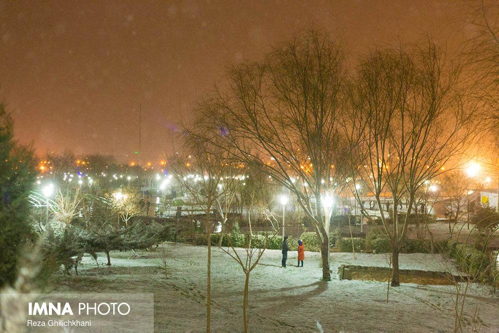 بارش برف در نجف آباد برف نوبرانه در نجف آباد+تصاویر برف نوبرانه در نجف آباد+تصاویر                                      10