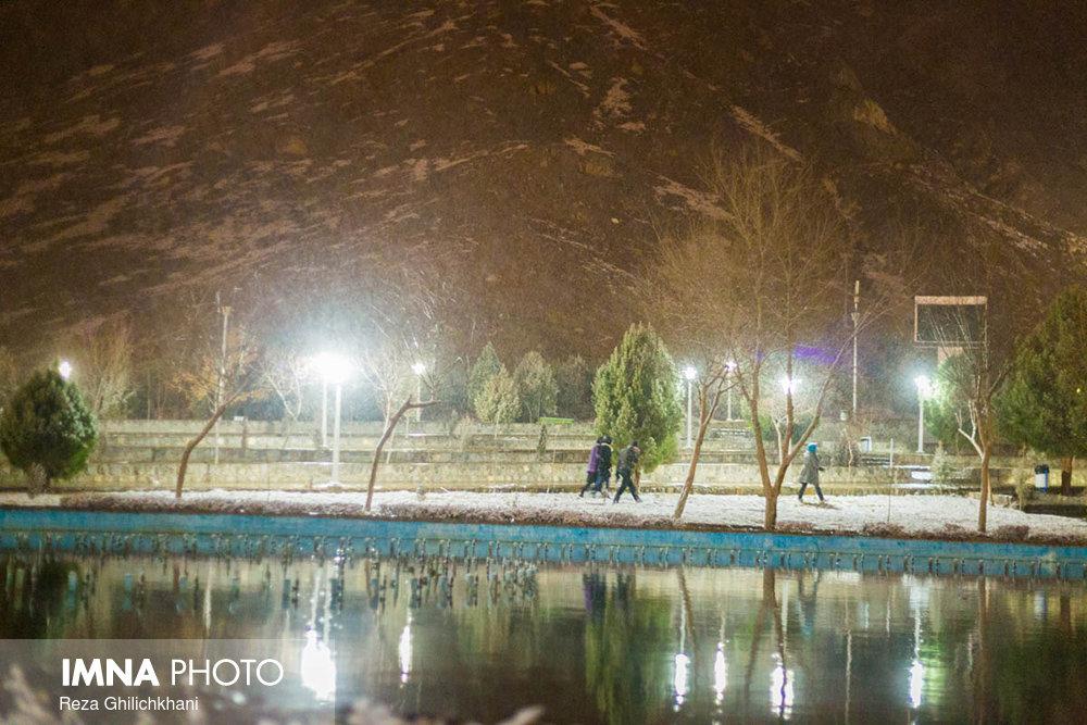 برف نوبرانه در نجف آباد+تصاویر