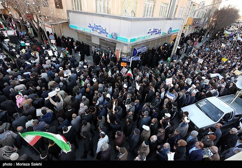 قیام مردم نجف آباد علیه اغتشاشگران+تصاویر