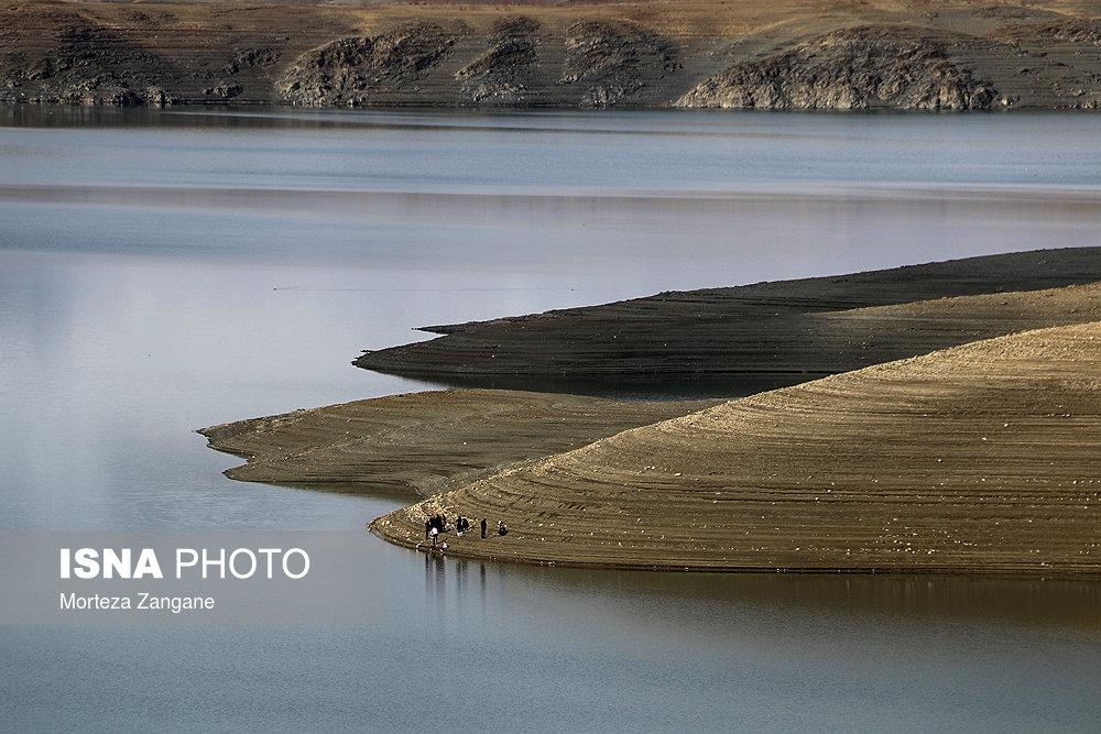 خالی شدن سد زاینده رود آخرین تصاویر از خالی شدن سد زاینده رود+تصاویر آخرین تصاویر از خالی شدن سد زاینده رود+تصاویر                                          11