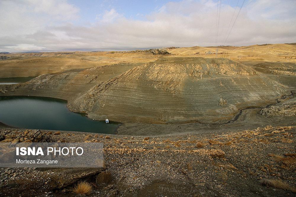 خالی شدن سد زاینده رود آخرین تصاویر از خالی شدن سد زاینده رود+تصاویر آخرین تصاویر از خالی شدن سد زاینده رود+تصاویر                                          17