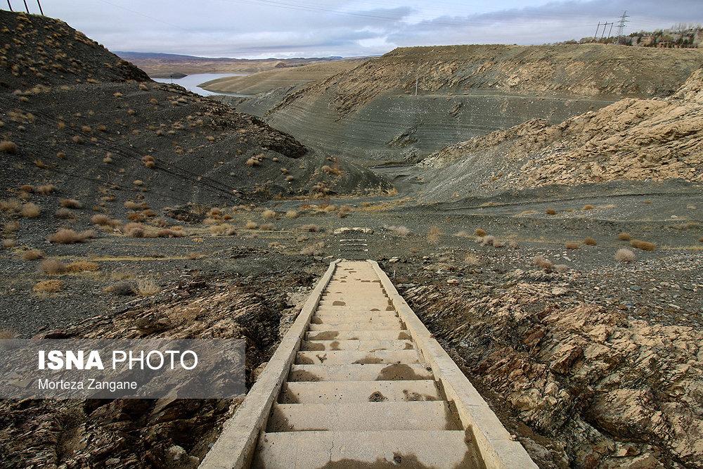 خالی شدن سد زاینده رود آخرین تصاویر از خالی شدن سد زاینده رود+تصاویر آخرین تصاویر از خالی شدن سد زاینده رود+تصاویر                                          18