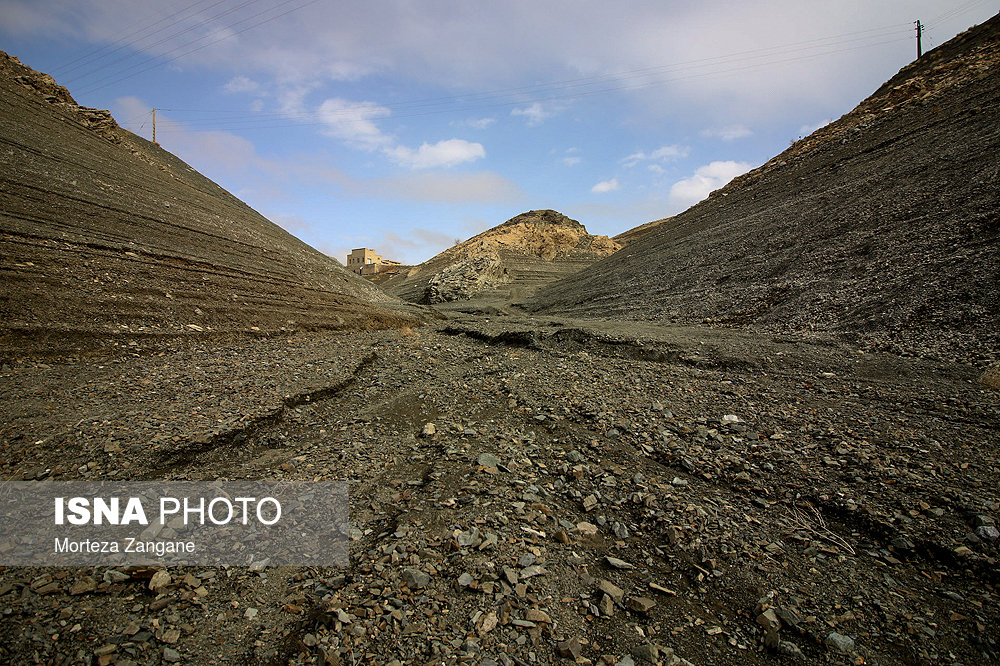 خالی شدن سد زاینده رود آخرین تصاویر از خالی شدن سد زاینده رود+تصاویر آخرین تصاویر از خالی شدن سد زاینده رود+تصاویر                                          19