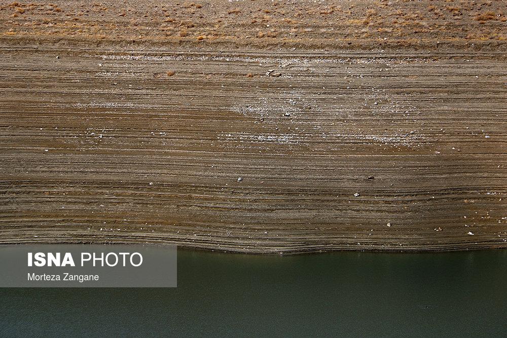 خالی شدن سد زاینده رود آخرین تصاویر از خالی شدن سد زاینده رود+تصاویر آخرین تصاویر از خالی شدن سد زاینده رود+تصاویر                                          6