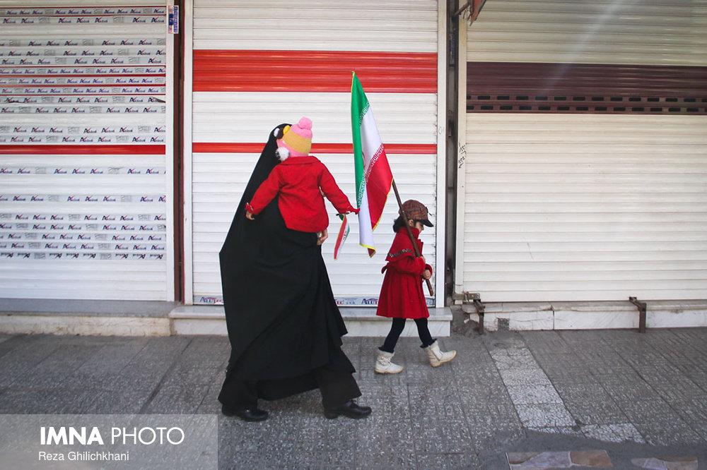 راهپیمایی ۲۲بهمن نجف آۤباد در سال۹۶ راهپیمایی ۲۲بهمن نجف آباد+تصاویر راهپیمایی ۲۲بهمن نجف آباد+تصاویر                                                                   1