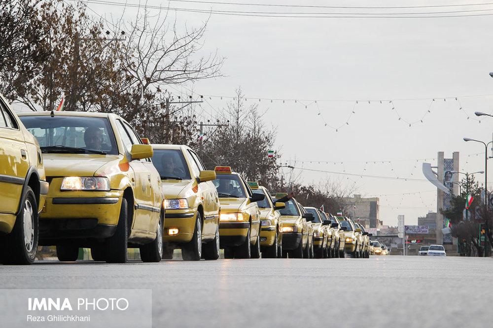 راهپیمایی ۲۲بهمن نجف آۤباد در سال۹۶ راهپیمایی ۲۲بهمن نجف آباد+تصاویر راهپیمایی ۲۲بهمن نجف آباد+تصاویر                                                                   14