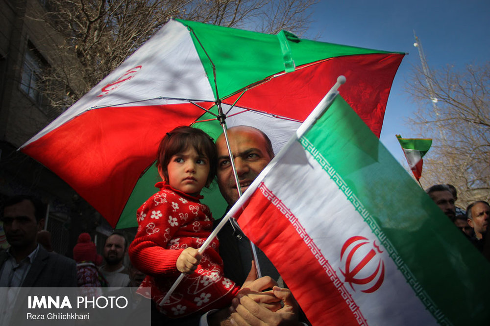راهپیمایی ۲۲بهمن نجف آۤباد در سال۹۶ راهپیمایی ۲۲بهمن نجف آباد+تصاویر راهپیمایی ۲۲بهمن نجف آباد+تصاویر                                                                   17