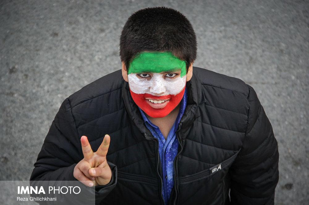 راهپیمایی ۲۲بهمن نجف آۤباد در سال۹۶ راهپیمایی ۲۲بهمن نجف آباد+تصاویر راهپیمایی ۲۲بهمن نجف آباد+تصاویر                                                                   7