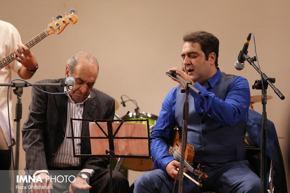 کنسرت ایرج در گلدشت برگزاری کنسرت ایرج در گلدشت+ تصاویر برگزاری کنسرت ایرج در گلدشت+ تصاویر                                     11