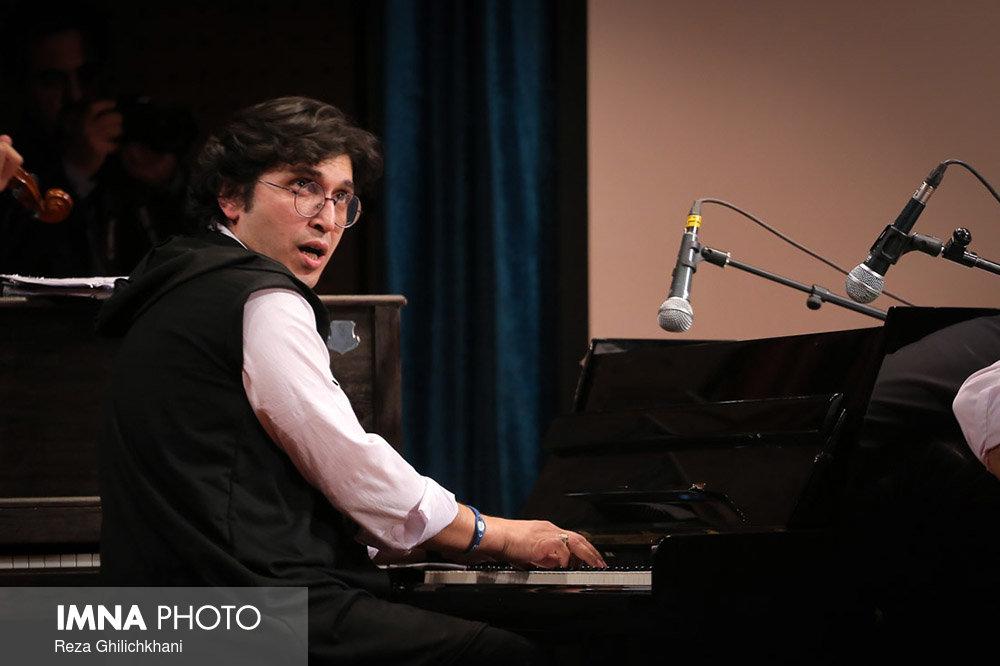 کنسرت ایرج در گلدشت برگزاری کنسرت ایرج در گلدشت+ تصاویر برگزاری کنسرت ایرج در گلدشت+ تصاویر                                     13