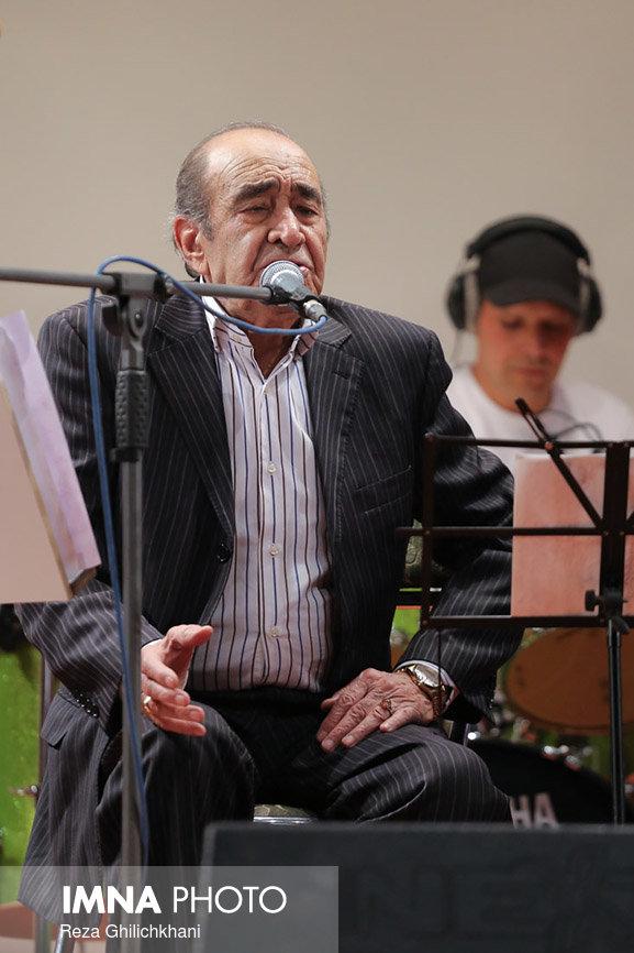 کنسرت ایرج در گلدشت برگزاری کنسرت ایرج در گلدشت+ تصاویر برگزاری کنسرت ایرج در گلدشت+ تصاویر                                     16