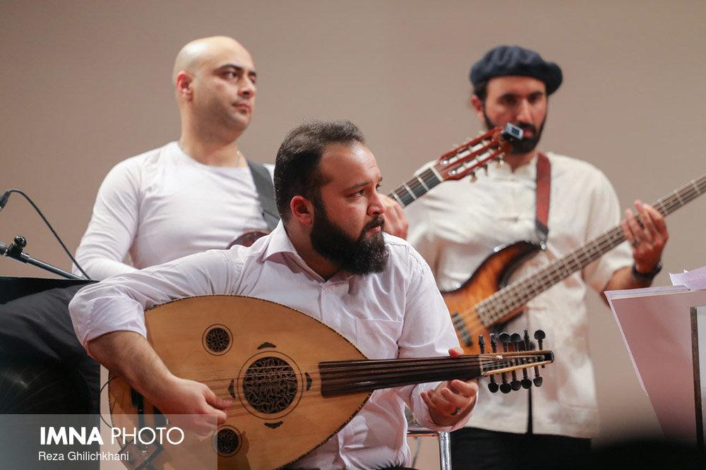 کنسرت ایرج در گلدشت برگزاری کنسرت ایرج در گلدشت+ تصاویر برگزاری کنسرت ایرج در گلدشت+ تصاویر                                     17