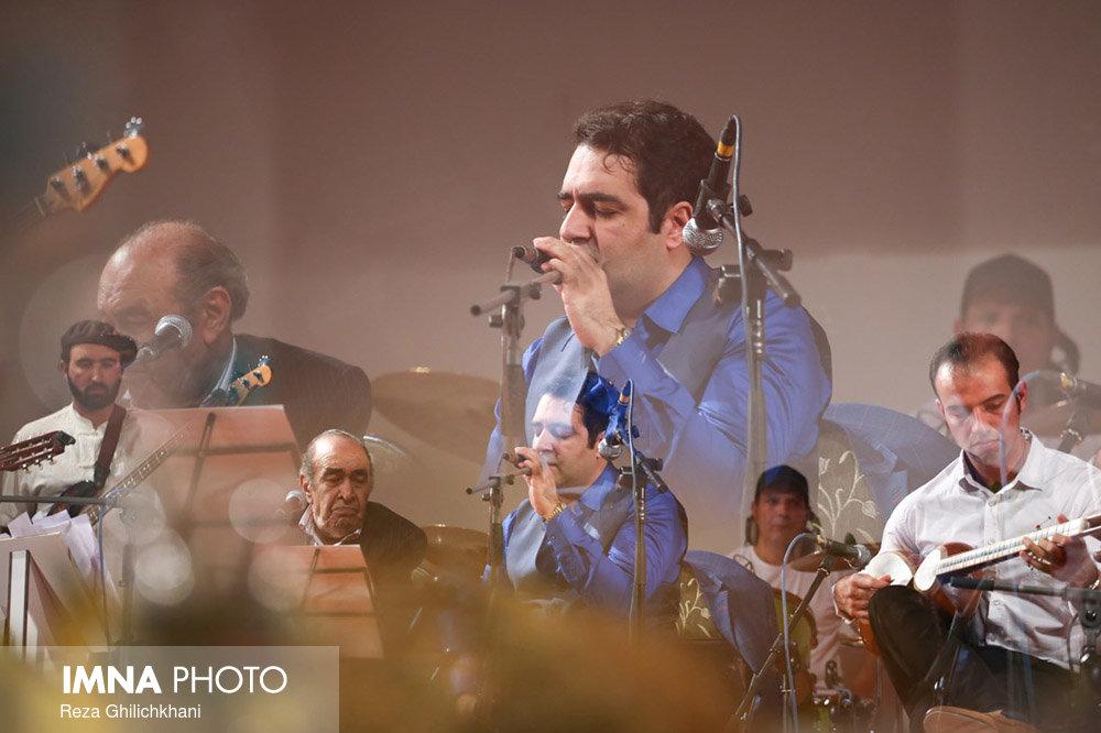 کنسرت ایرج در گلدشت برگزاری کنسرت ایرج در گلدشت+ تصاویر برگزاری کنسرت ایرج در گلدشت+ تصاویر                                     2
