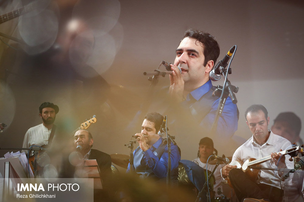کنسرت ایرج در گلدشت برگزاری کنسرت ایرج در گلدشت+ تصاویر برگزاری کنسرت ایرج در گلدشت+ تصاویر                                     20