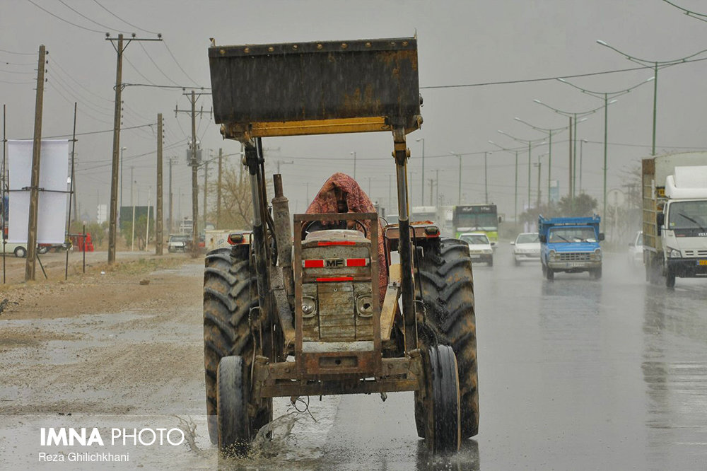 بارش باران در نجف آباد روز بارانی نجف آباد+تصاویر روز بارانی نجف آباد+تصاویر                                          13