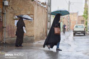 بارش باران در نجف آباد وضع نامناسب معابر قلعه سفید در نجف آباد+فیلم وضع نامناسب معابر قلعه سفید در نجف آباد+فیلم                                          14 300x200