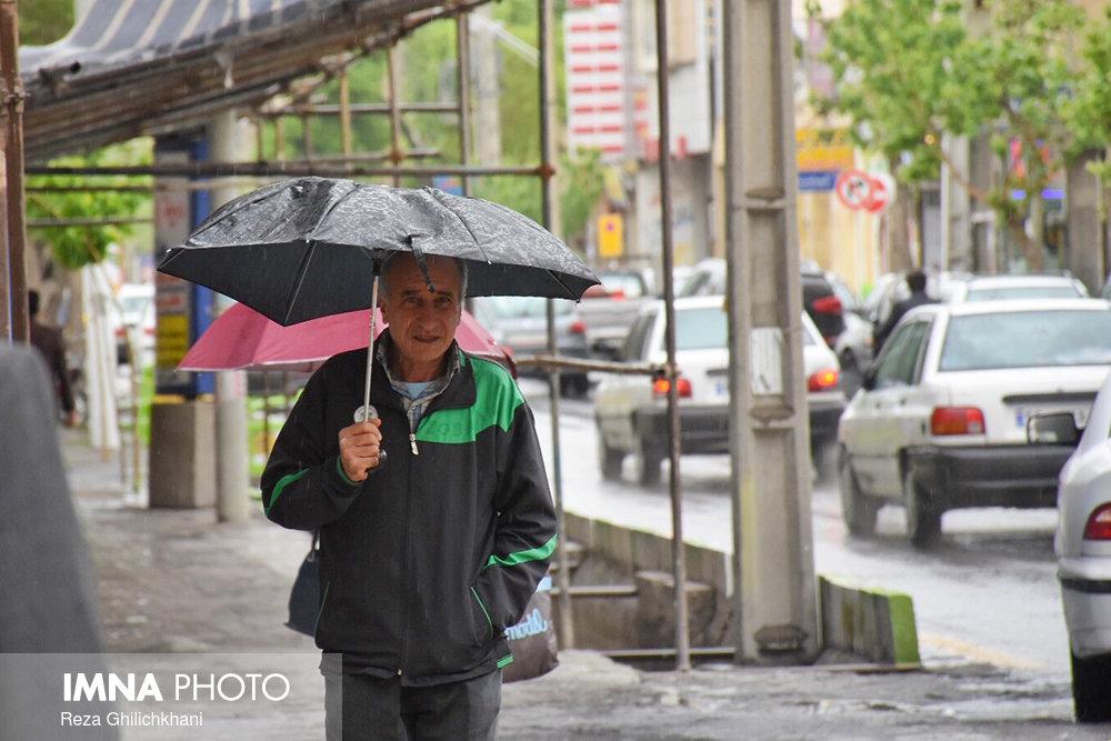 بارش باران در نجف آباد روز بارانی نجف آباد+تصاویر روز بارانی نجف آباد+تصاویر                                          17