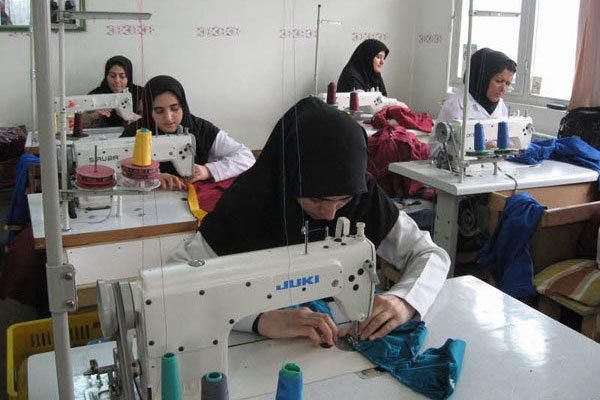 اهدای لباس به سرای سالمندان نجف آباد