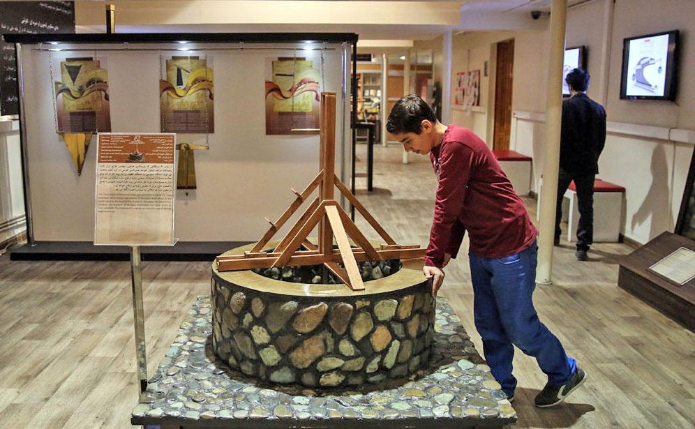 موزه سیار در نجف آباد موزه سیار در نجف آباد موزه سیار در نجف آباد