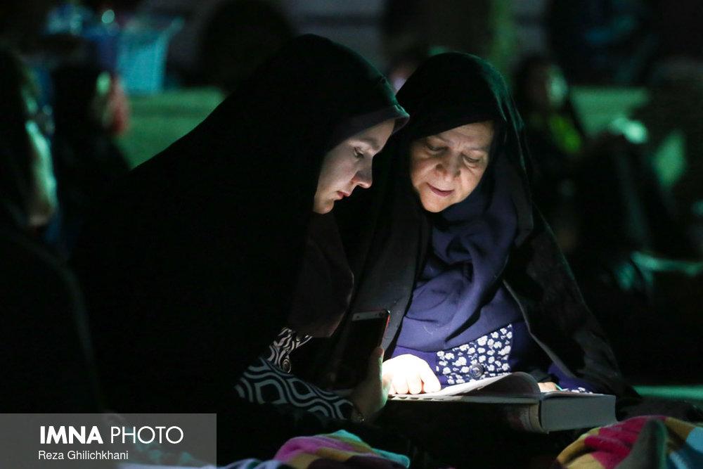 مراسم احیاء در گلزار شهدا نجف آباد در سال 97 احیاء بیست و سه رمضان نجف آباد در سال۹۷+تصاویر احیاء بیست و سه رمضان نجف آباد در سال۹۷+تصاویر                                                4
