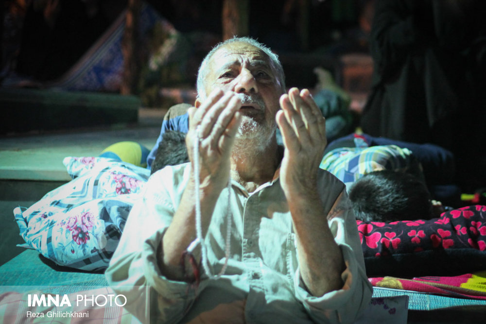 مراسم احیاء در گلزار شهدا نجف آباد در سال 97 احیاء بیست و سه رمضان نجف آباد در سال۹۷+تصاویر احیاء بیست و سه رمضان نجف آباد در سال۹۷+تصاویر                                                7